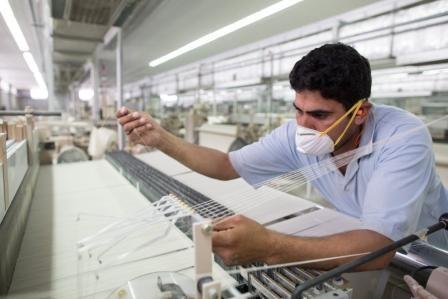 وزير قطاع الأعمال :20 مليار جنيه لتطوير مصانع الغزل والنسيج