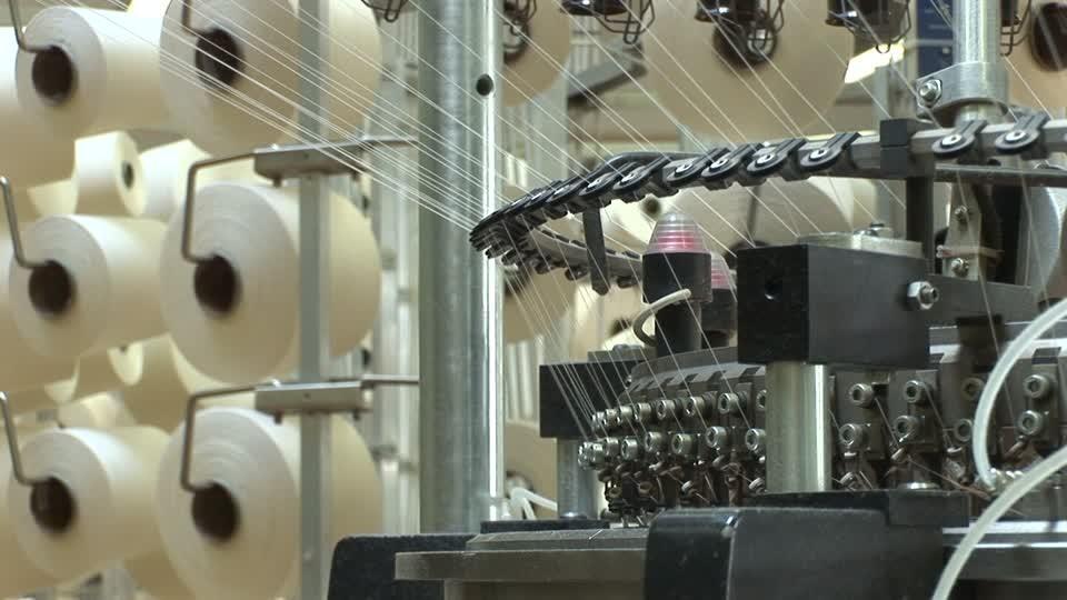 تطوير 4 مصانع ..  تفاصيل خطة توريد ماكينات جديدة لشركة غزل المحلة