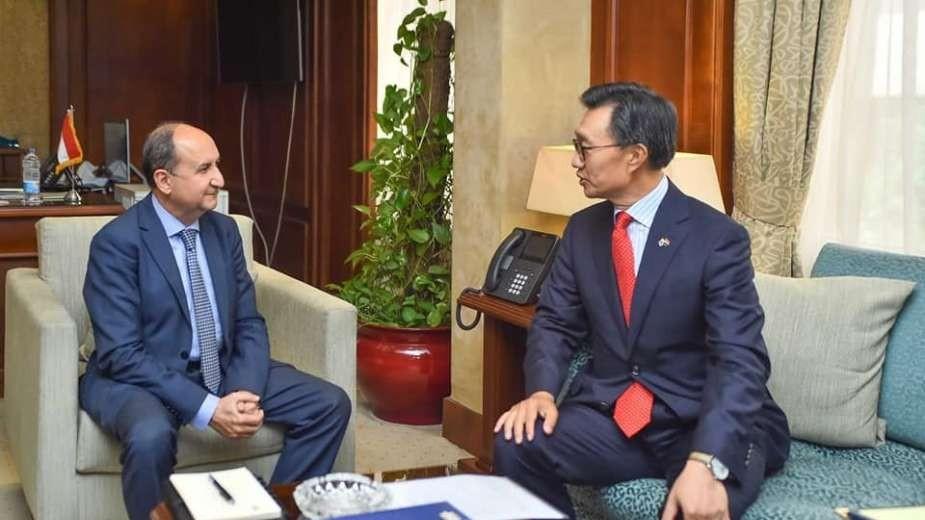 وزير التجارة يبحث إستعدادات إستضافة منتدى الاعمال المصرى الكوري