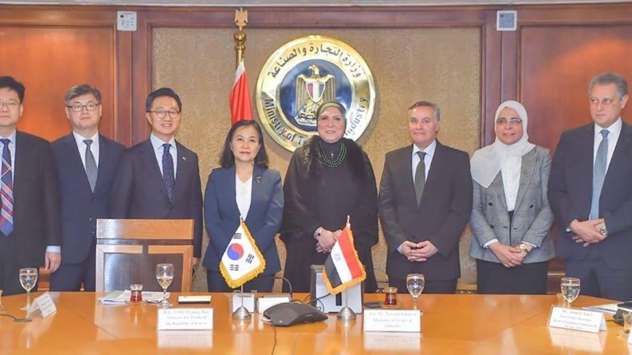 الصناعة: تشكيل فريق خبراء لإقامة شراكة اقتصادية شاملة مع كوريا الجنوبية