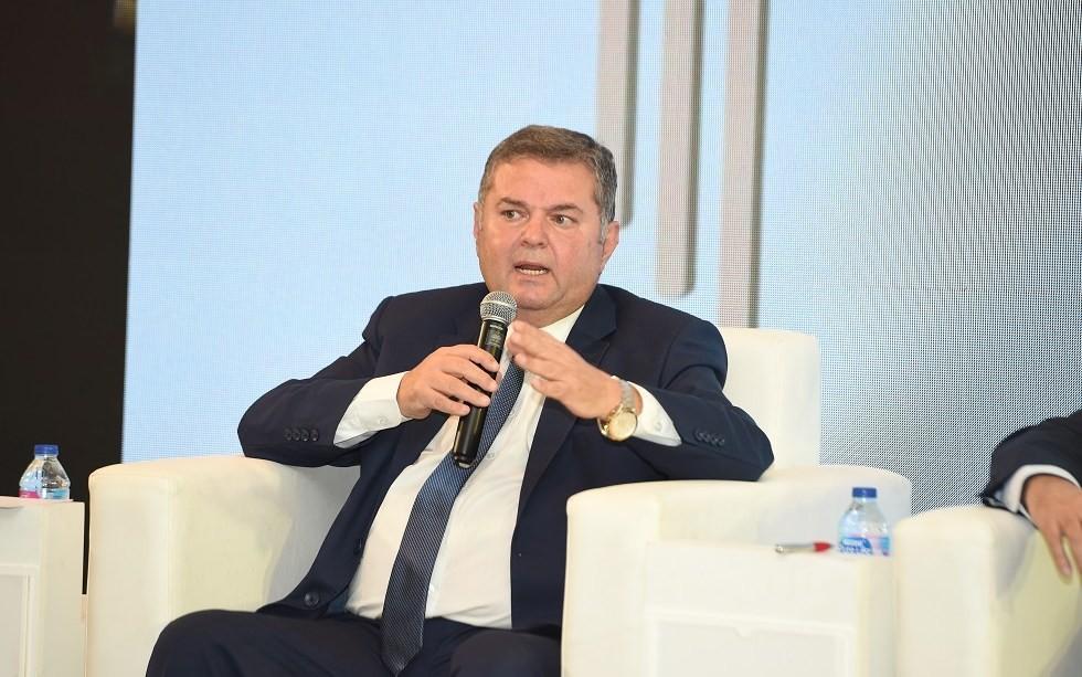 وزير قطاع الأعمال: نخطط لتصنيع منتج نهائي من القطن المصري قبل الصيف