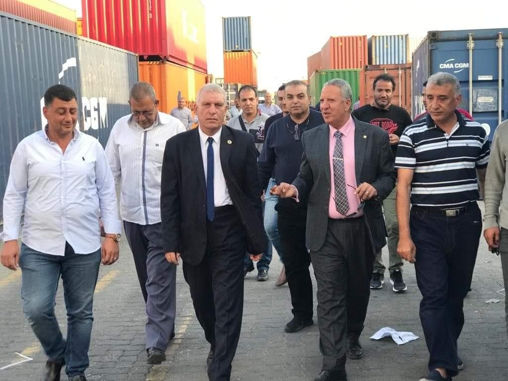 رئيس الجمارك يطالب العاملين بمنفذ دمياط بتفعيل القائمة الخضراء للشركات