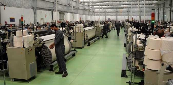 شركات الغزل والنسيج تواجة أزمة كورونا بخط إنتاج جديد للكمامات