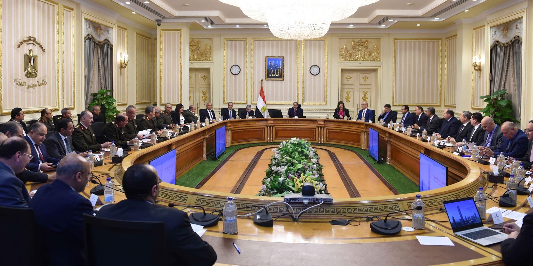 مجلس الوزراء بصدد تحديد القطاعات المستحقة لتقسيط الضريبة قبل نهاية أبريل