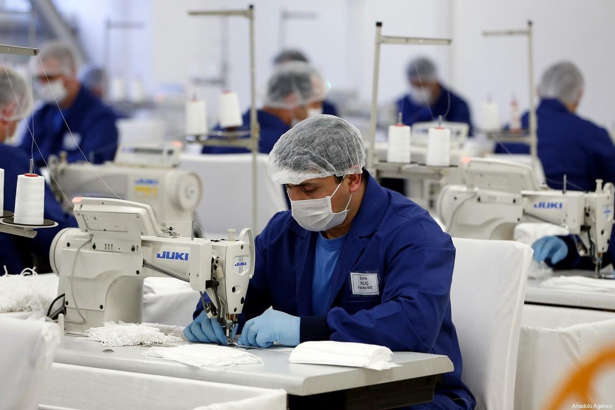 شركات أمريكية تطلب توريد كمامات من مصانع غزل ونسيج مصرية