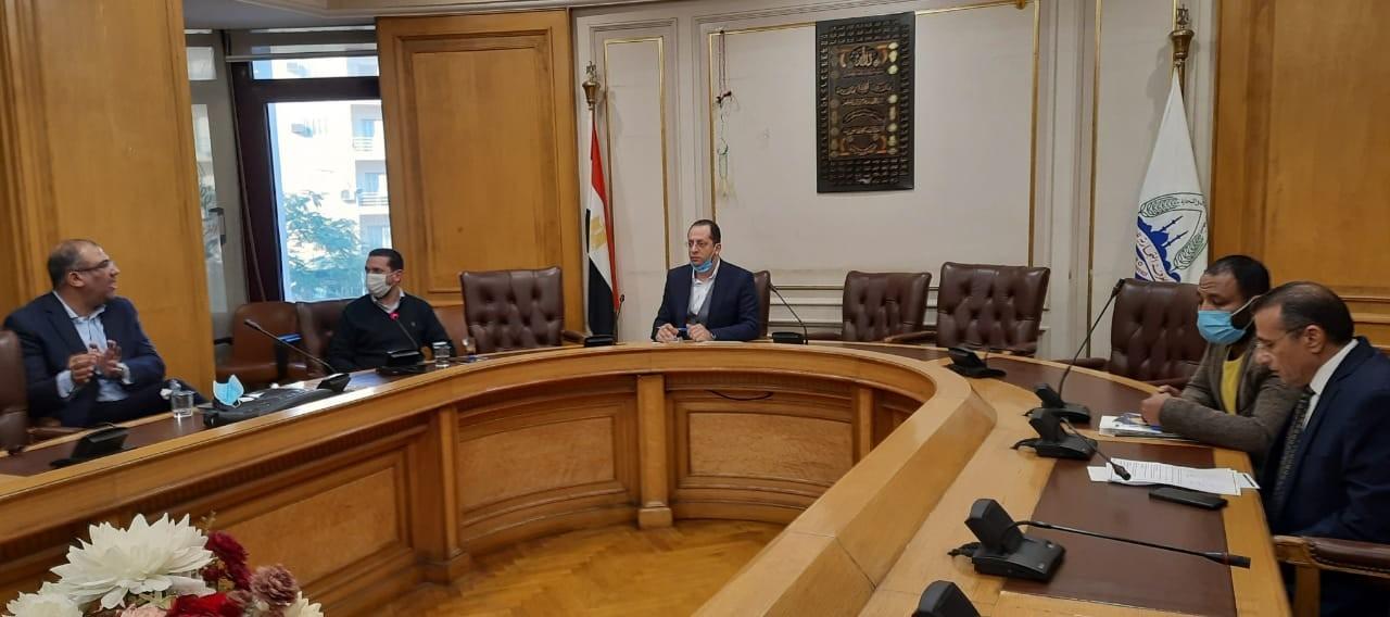 غرفة القاهرة تناقش آليات التحصيل المميكن ورقمنة الخدمات