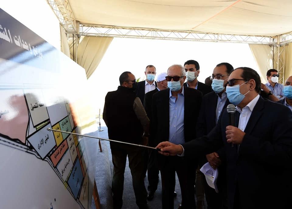 رئيس الوزراء يبدأ جولة موسعة بمنطقة قناة السويس الاقتصادية لتفقد المشروعات