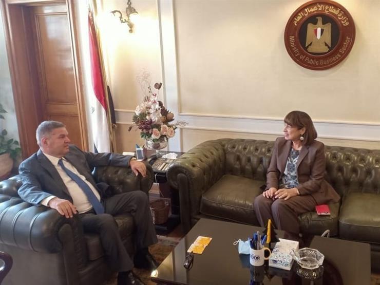 وزير قطاع الأعمال يستعرض مع المنسق المقيم للأمم المتحدة في مصر خطط تطوير الشركات التابعة