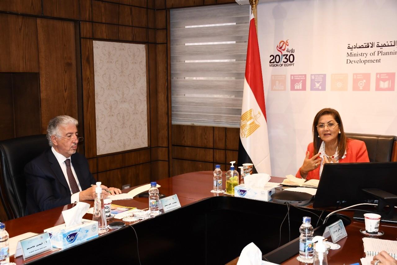 وزيرة التخطيط تناقش مقترح إنشاء مُسرِّعة أعمال التصدير ضمن برنامج جسور