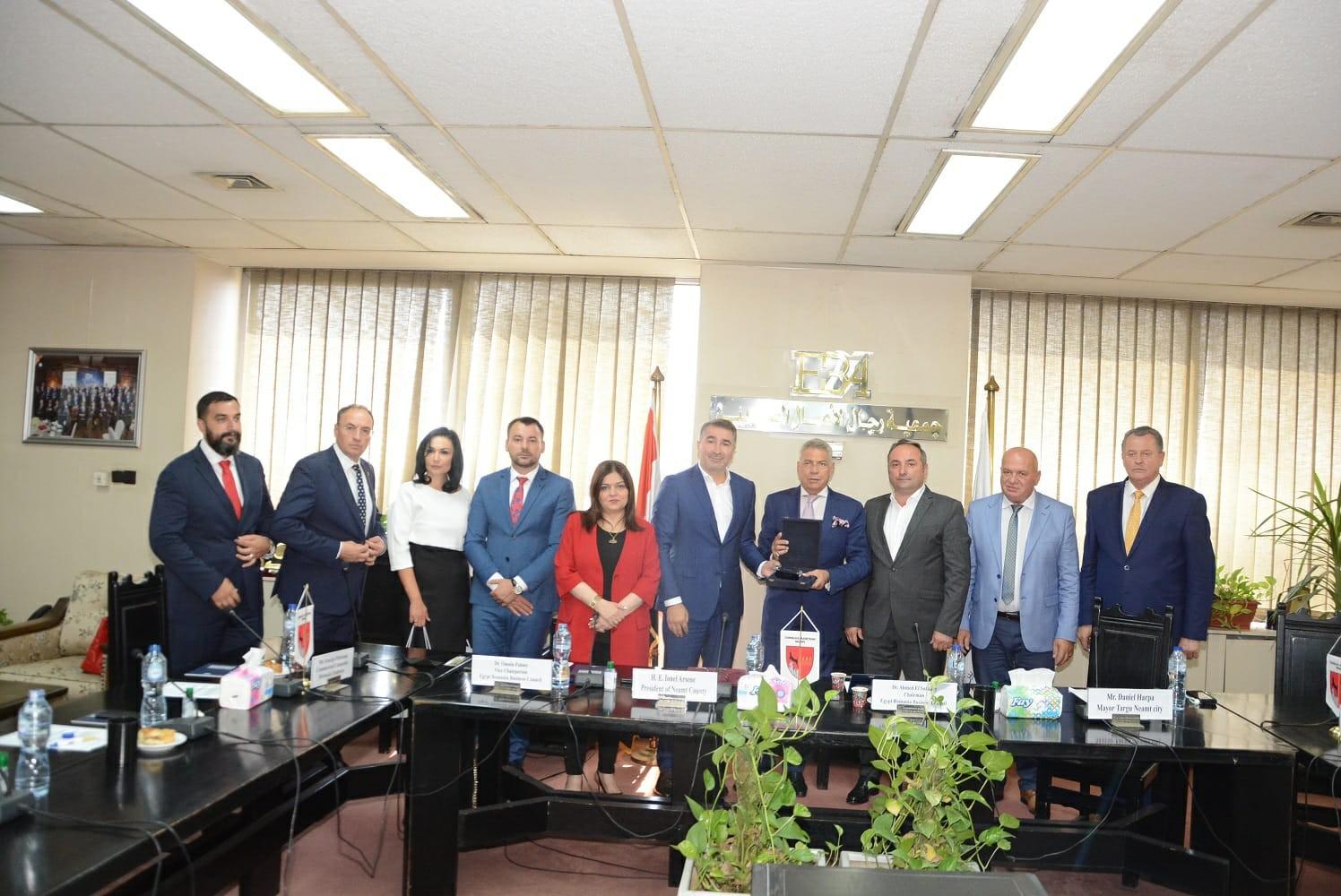 تفاصيل اجتماع رجال الأعمال مع وفد مقاطعة نيامتس الرومانية للاستثمار في مصر